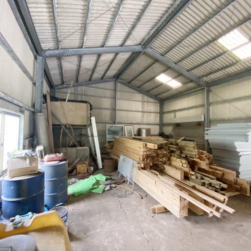 鉄骨造 約32坪の倉庫付