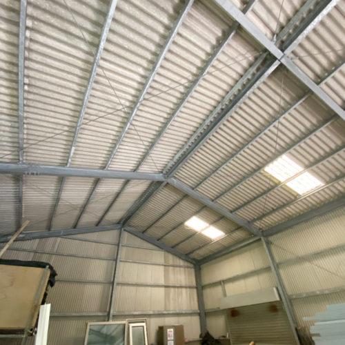 鉄骨造 天井高約5mの倉庫付